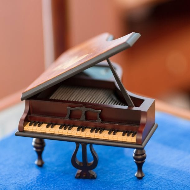 Things to consider for long distance piano moving vancouver